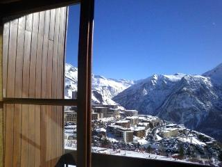 Studio for 4 right on ski slopes with great views!, Orcieres