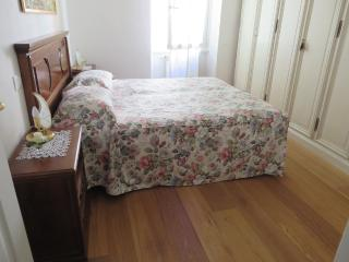 SAN GIUSEPPE 2 bed rooms behind Santa Croce (14), Florence