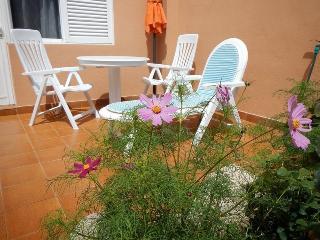 Apartamento reformado con terraza, jardin, piscina, El Médano