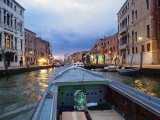 Romantica casetta con vista sul canale, Venecia