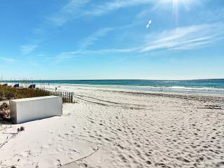 Gulf Terrace 181-2BR-LakeView*10%OFF April1-May26*Walk2Beach, Destin