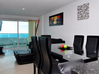 Gorgeous 2 Bedroom in Luxury Condo, Cartagena