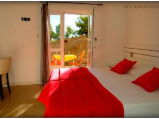 Ark - double room by the beach G/3,Octopussy