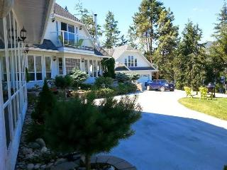 Amazing Eagle Point Vacation Home & Spa., Kelowna