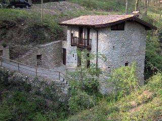 un antico mulino nel bosco, Sorisole
