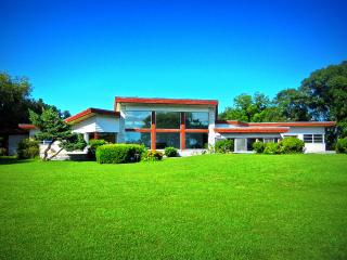 Mid-Century Modern Lakefront Estate: Bay & Beach, Norfolk