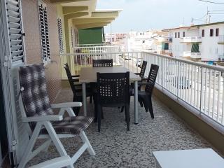 Apartamento a 90 m del mar totalmente reformado, Oliva