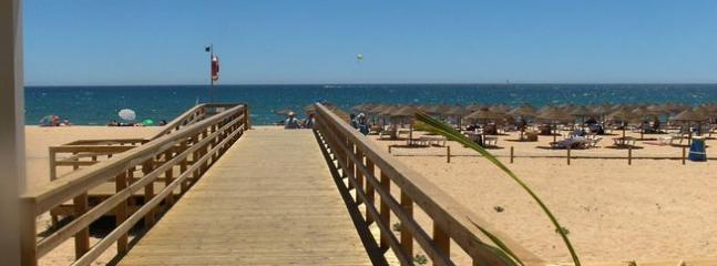 Vilamoura - Beach, golf and resort - 10 minutes by car