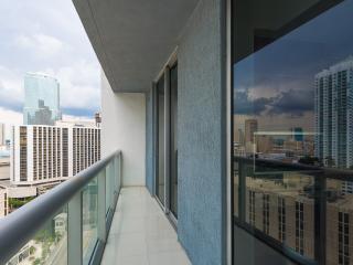 Viceroy Hotel! Luxury 2BR Condo on high floor!, Miami