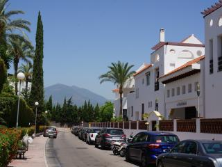 Puerto Banus walking distance to beach & golf