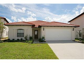 CLERMONT 4 BED VILLA LOCATED IN A SECURE COMMUNITY, Clermont
