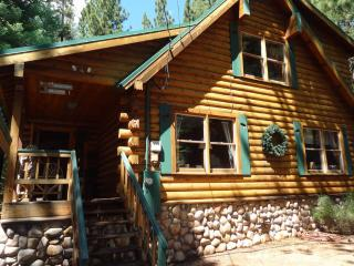 Luxurious and Cozy Log Home 'Loose Moose Lodge', Truckee
