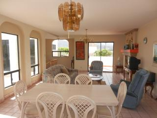 Villa Bajabarr - Sleeps 15!, Ensenada