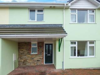 THE LIMES, modern and spacious, en-suite, parking, garden, in Delabole, Ref 924264