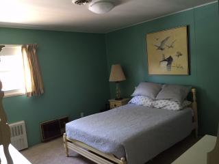 Full bedroom