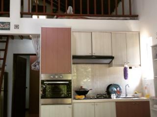 Bee River Home - Fresh Air & Nature Retreat, Kajang