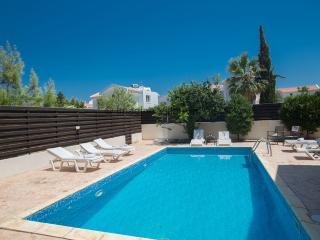 Mandali 14 | 3 bed villa with pool & free WiFi