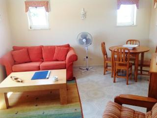 1 Bed Apt Near The Beach, Caramujeira, Carvoeiro