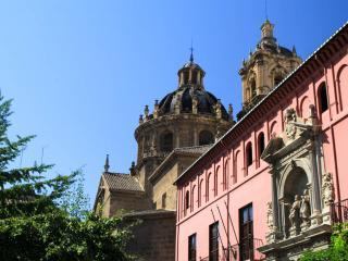 Piso junto a la Catedral, Granada