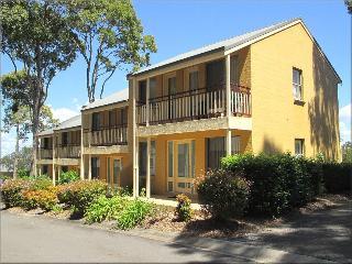 Cockatiel Defuxe Terrace at Raffertys Resort, Lake Macquarie