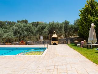 Argiro Villa II, stunning view and pool!