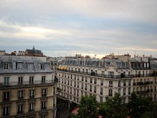 Bright studio, great views, near Pompidou Centre, París