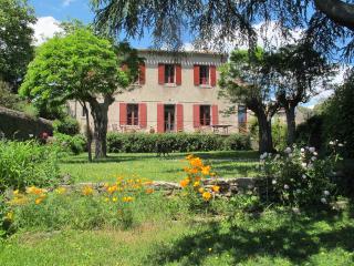 Le couvent, Brousses-et-Villaret