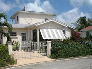 Garden villa with pool, close to peaceful beach.,, Speightstown