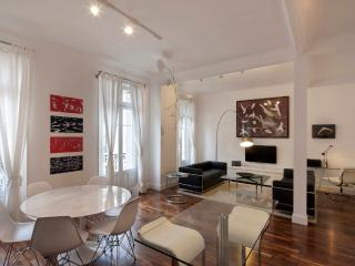 Modern Apartment on the Famous rue d'Antibes, Cannes