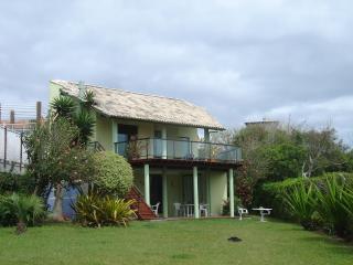 Casa de 3 quartos na  beira da praia do Santinho