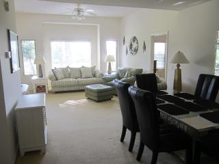 Clubhouse Villas 3BR 3 Bath Condo Beach/Golf, North Myrtle Beach