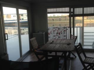 boat room, Mantua