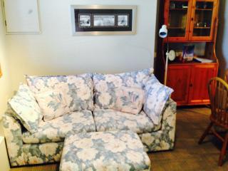 Suite Spot - 2bdr self cont'd fully furnished, Sechelt