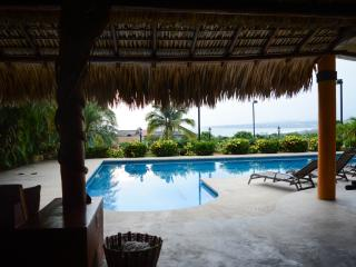 Puerto's best ocean views 2 BR  aptmt. & pool, Puerto Escondido