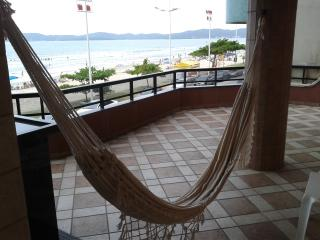 Apartamento de Frente para o Mar em Itapema