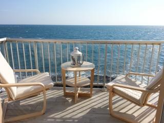 Les pieds dans l'eau à Collioure