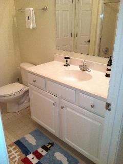 Second bath with access to bedroom and hallway