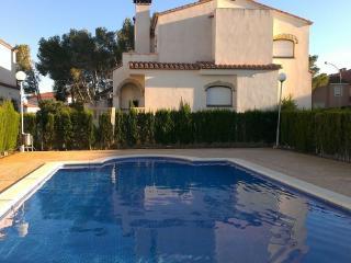 Casa adosada familiar Miami Platja WIFI Tarragona