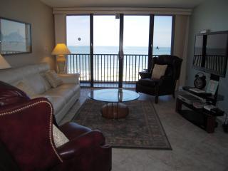Living Room so comfy!
