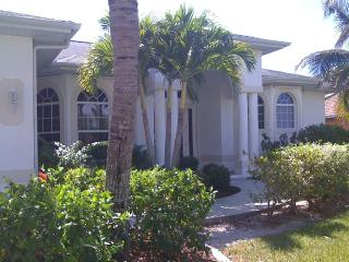 Beautiful vacation resort style home, Cape Coral
