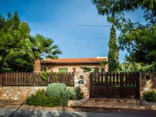 Athens Riviera Hideaway Beach House  2 minutes walk from sandy beach in Sounio, a beautiful  garden