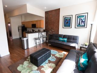 CHIC 2 BEDROOM FLAT IN NYC!, New York