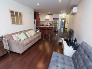 Luxurious, Modern, Townhome Garden Apt. 1 Bedroom, Nueva York