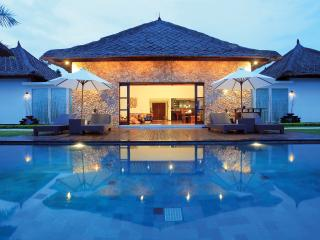 Beautiful 4 bedroom Villa The Jiwa, Tanjung
