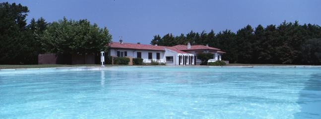 Large Villa with Tennis and Swimming Pool