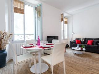 Great apartment in the Old-Town of Nice !