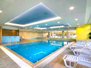 Club218 Golden Beach Apartment