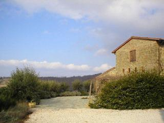 LA PALAZZA - CLASSIC UMBRIAN STONE BUILT COTTAGE