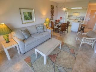 FALL SPECIALS! Top Floor One-Bedroom Condo with an Ocean View!, Kihei