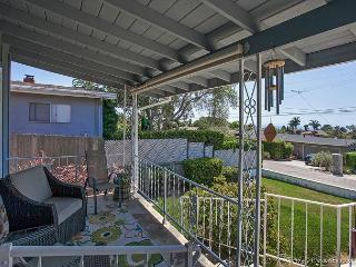 3BR/2BA Encinitas Ocean-View House, 10 Minutes from Moonlight Beach